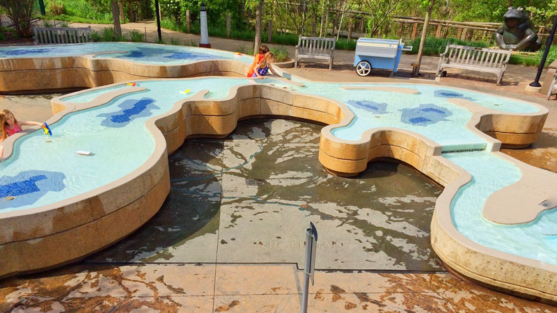 Frederik-Meijer-Gardens-children's-area-great-lakes-water-splash-pad-park-kids-playing