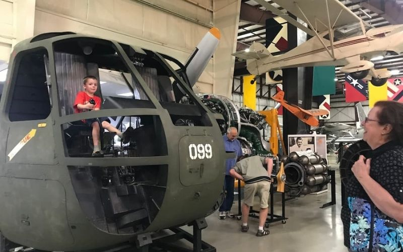 Flight Discovery Center Air Zoo